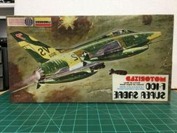 F-100 Super Sabre Motorized Model Kit By Lindberg 1/48 Scale